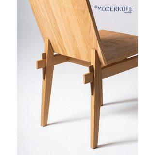 Wygodne i wielofunkcyjne krzesło to podstawa wyposażenia domu.  Do 7 października mamy promocję -20% na wszystkie produkty z tej kategorii - link do sklepu znajdziecie w bio!  fot. @wasabi_studio  #MODERNOFF #promocja #sklepinternetowy #sklepzmeblami #pięknonalata #wnętrza #meblenazamówienie #meblenawymiar #projektowaniewnętrz #design #woodenfurniture #interior #interiordesign #inspiration #furniture #furnituredesign #homedecor #homedesign #krzesłodrewniane #drewnianekrzesła